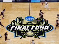 South Carolina Gamecocks and Mississippi State Lady Bulldogs get off to a fast start in their NCAA Women's Final Four championship game at the American Airlines Center in Dallas, Sunday, April 2, 2017. (Tom Fox/The Dallas Morning News)