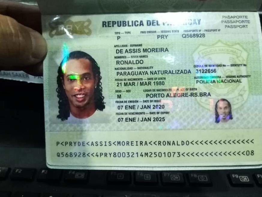 Este es el documento que circula en redes sociales y que supuestamente utilizó Ronaldinho para ingresar a Paraguay.
