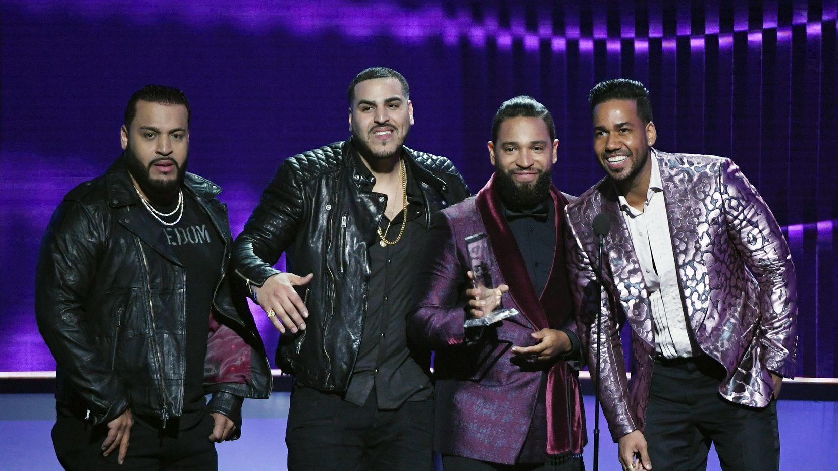 Los integrantes de Aventura, Lenny Santos, Max Santos, Henry Santos y  Romeo Santos.