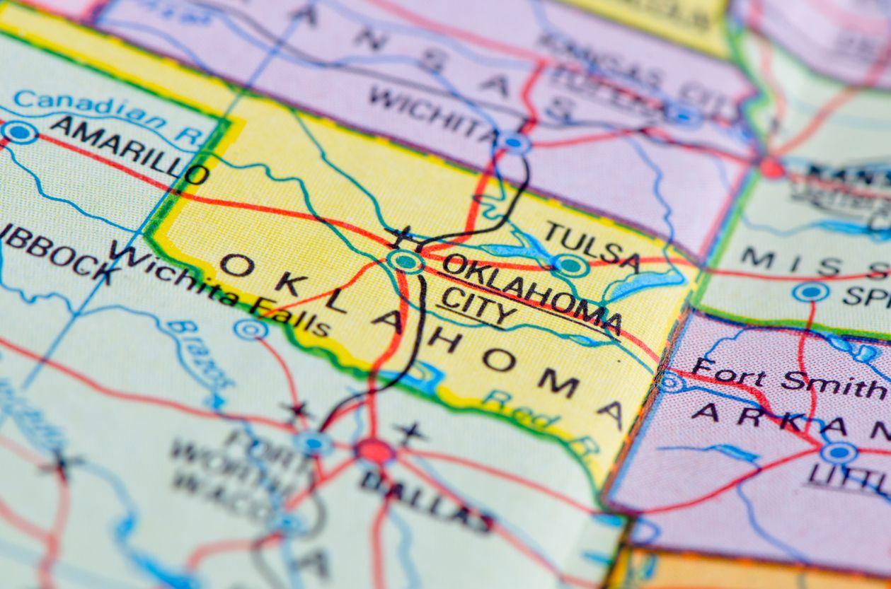 Una mujer en Oklahoma fue detenida por buscar contratar a un asesino a través de un anuncio./iStock.
