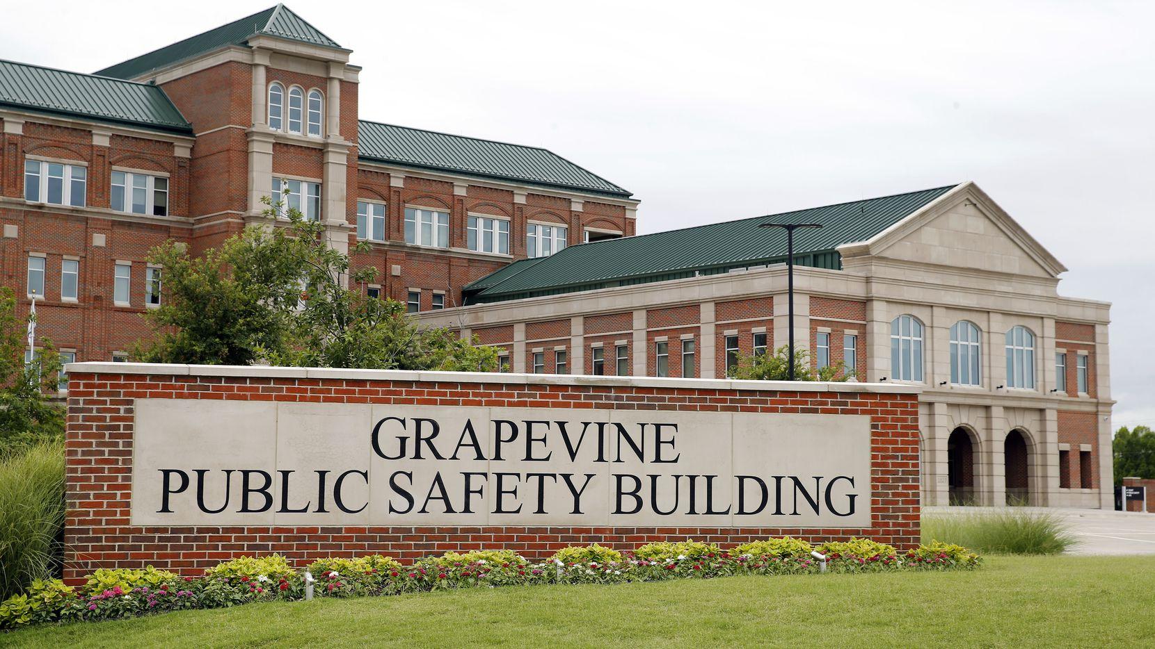 El edificio de Seguridad Pública de Grapevine. La policía de esa ciudad advirtió sobre posibles estafadores que se hacen pasar por oficiales.