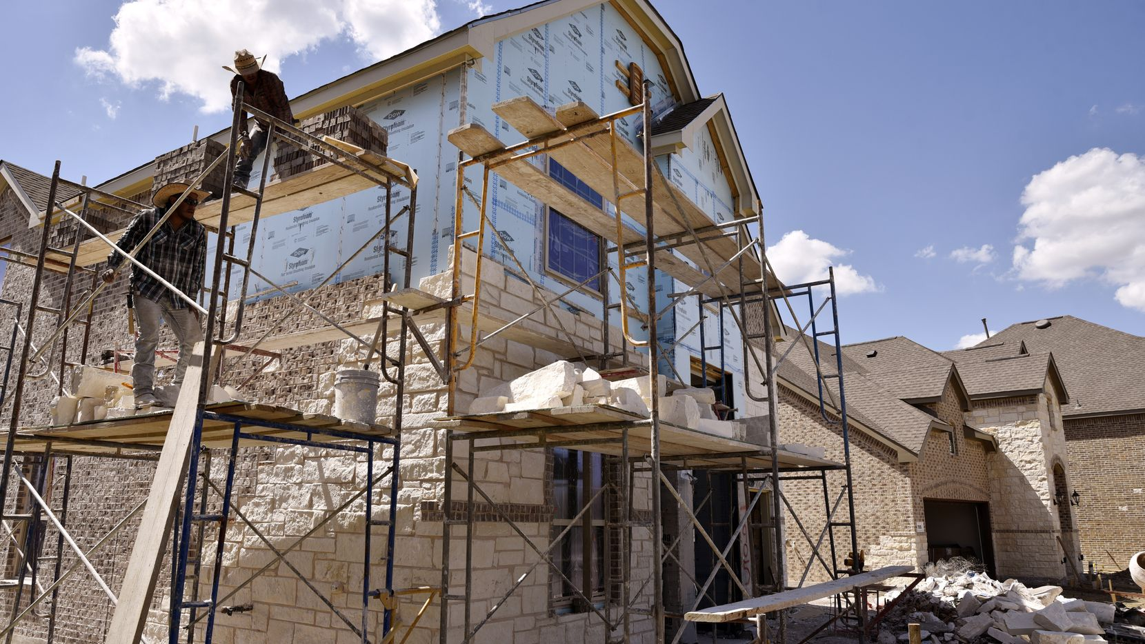 New home starts in D-FW fell by more than 4 percent in the first quarter compared with a year ago.