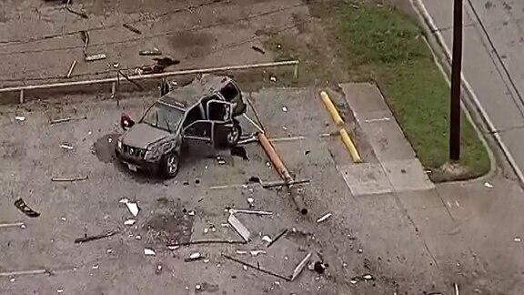 Una joven de la preparatoria Kimball falleció en un accidente de tránsito en West Oak Cliff. NBC5