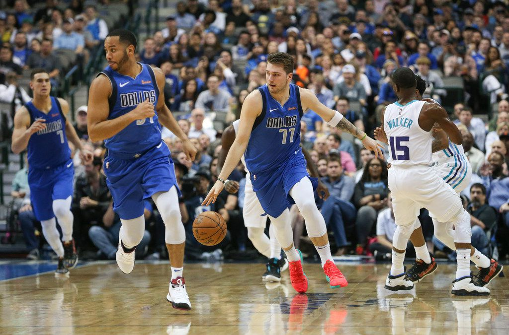 Dallas Mavericks forward Luka Doncic (77) brings the ball downcourt during the first half a matchup between the Dallas Mavericks and the Charolette Hornets on Wednesday, Feb. 6, 2019 at the American Airlines Center in Dallas. (Ryan Michalesko/The Dallas Morning News)