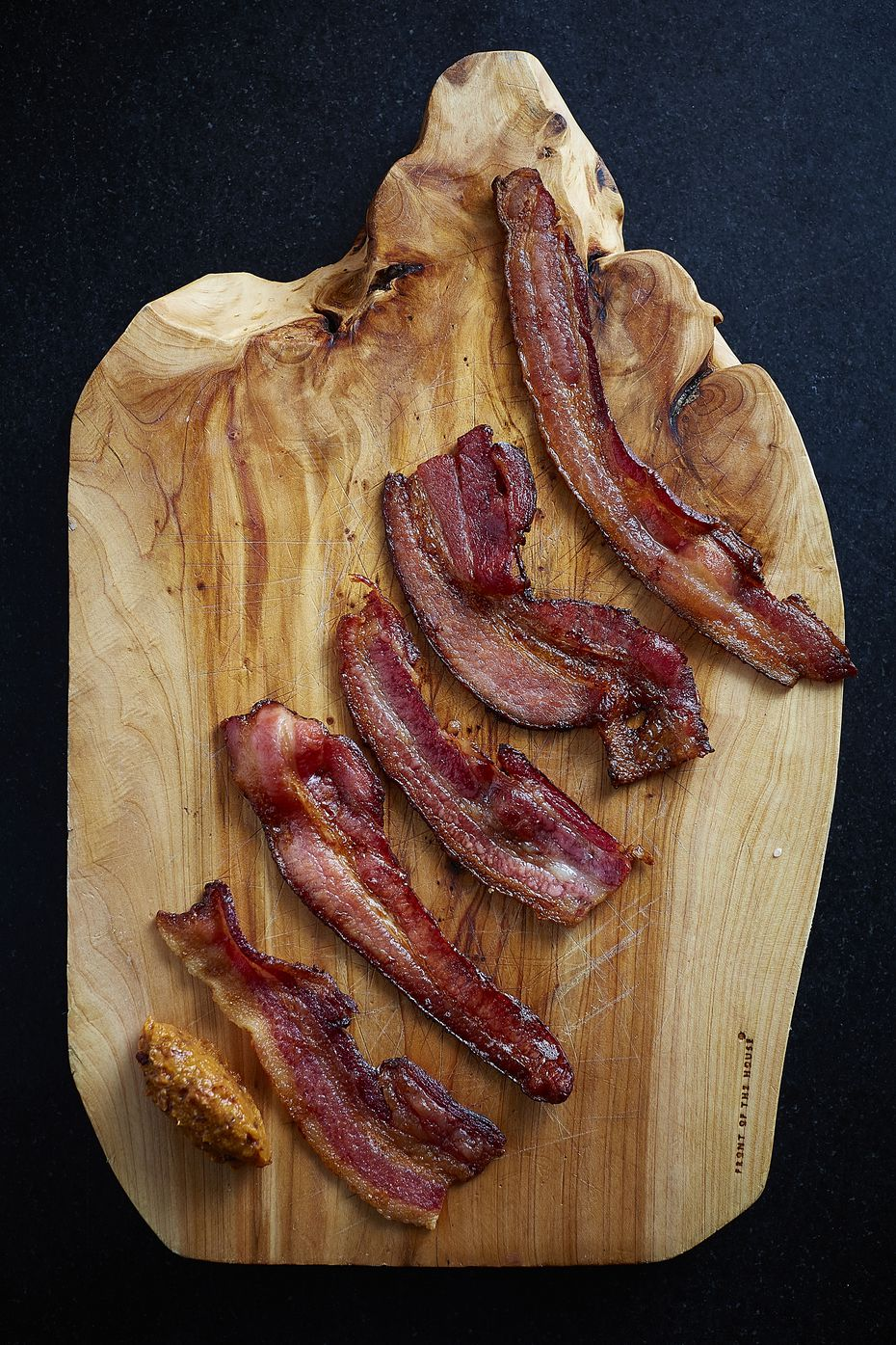 If you're spending New Year's Eve 2020 at home, make it special. Knife Steakhouse in Dallas and Plano is selling a $16 bacon tasting that you can enjoy from the comfort of your own couch.