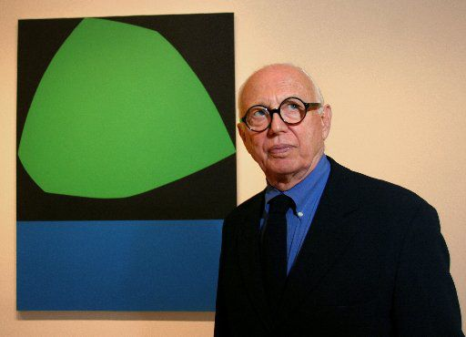 Ellsworth Kelly at the Dallas Museum of Art in 2004