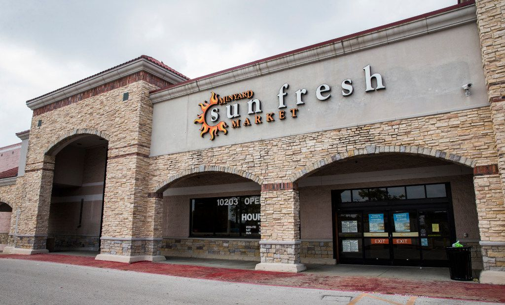 A closed Minyard Sun Fresh Market on Thursday, August 24, 2017 at 10203 E Northwest Highway in Dallas. (Ashley Landis/The Dallas Morning News)