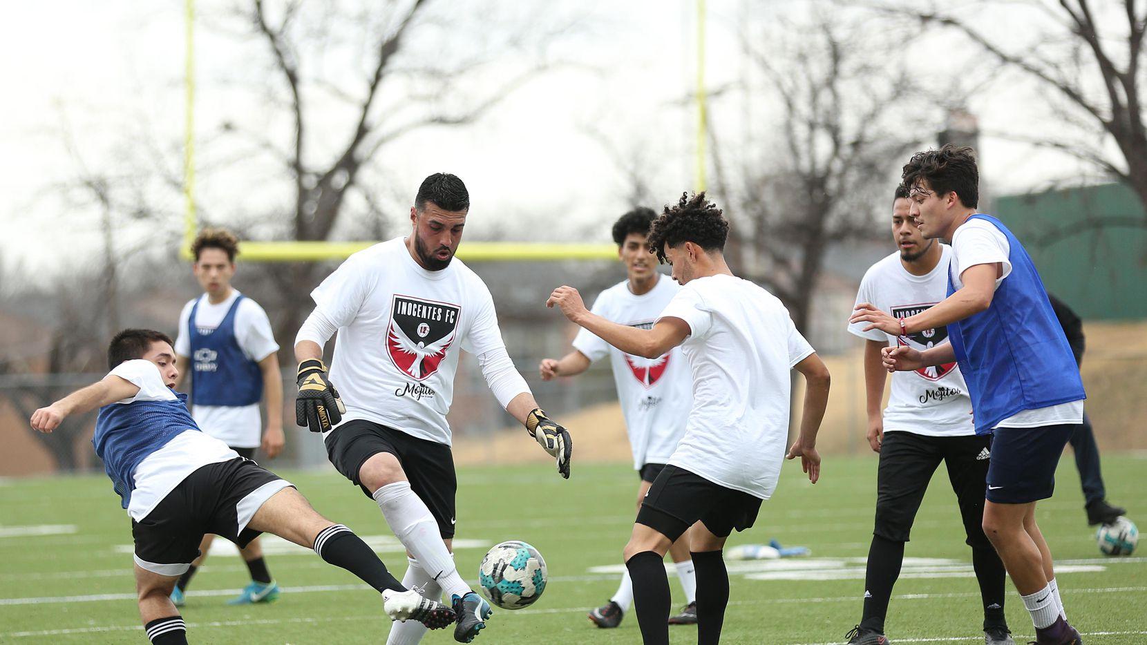El club Inocentes FC de Fort Worth están en su primera temporada coompitiendo en la UPS, una liga semiprofesional de futbol de Estados Unidos.(Omar Vega)