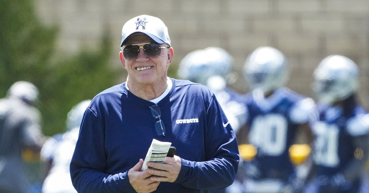 Day in camp: Jerry Jones impressed with Dak Prescott, says Cowboys in 'good shape' with vaccines