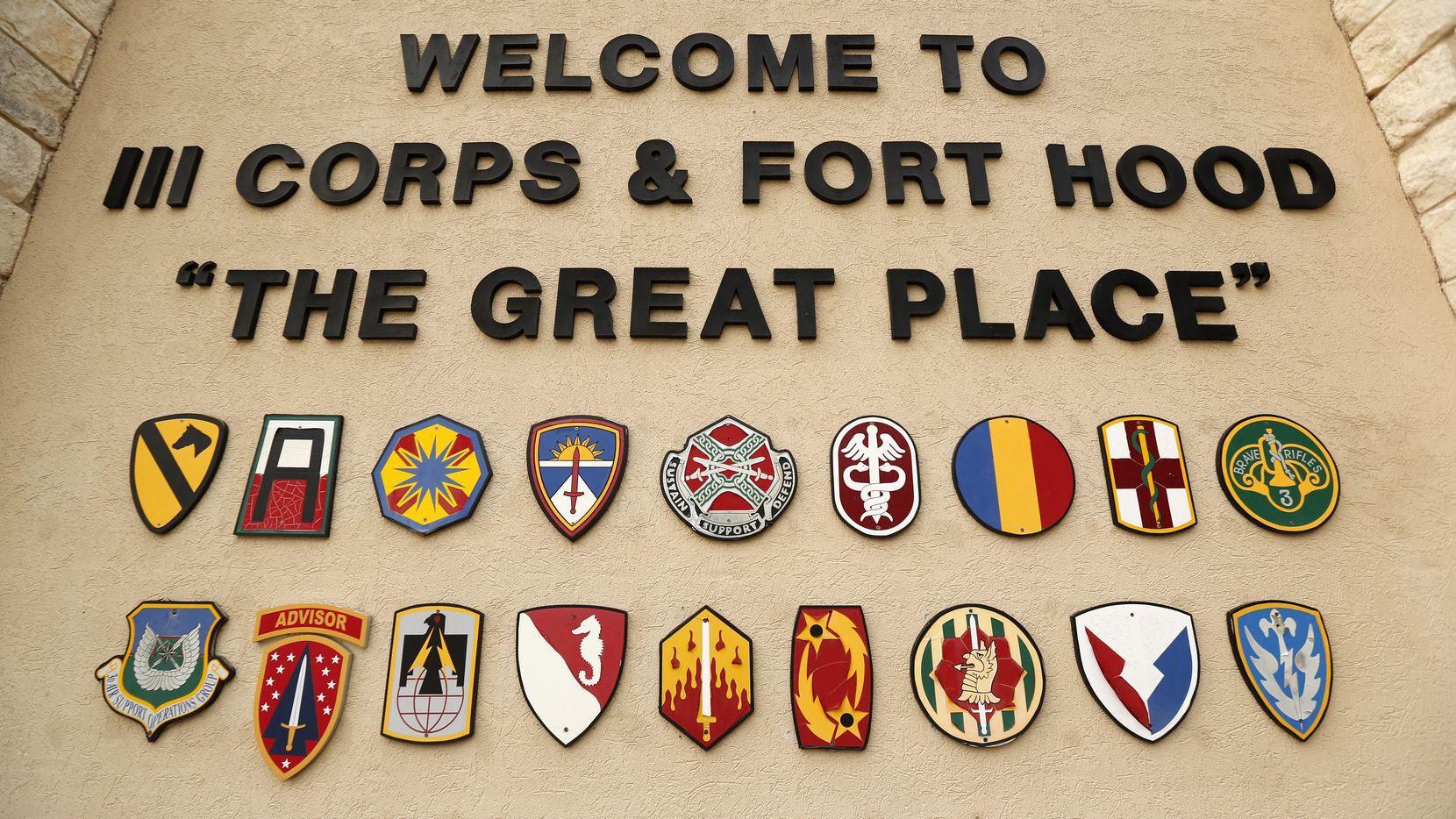 La base militar de Fort Hood honró la memoria de Vanessa Guillén colocando su nombre en la parte superior de una de sus entradas, así como en un muro donde se colocó una dedicatoria.