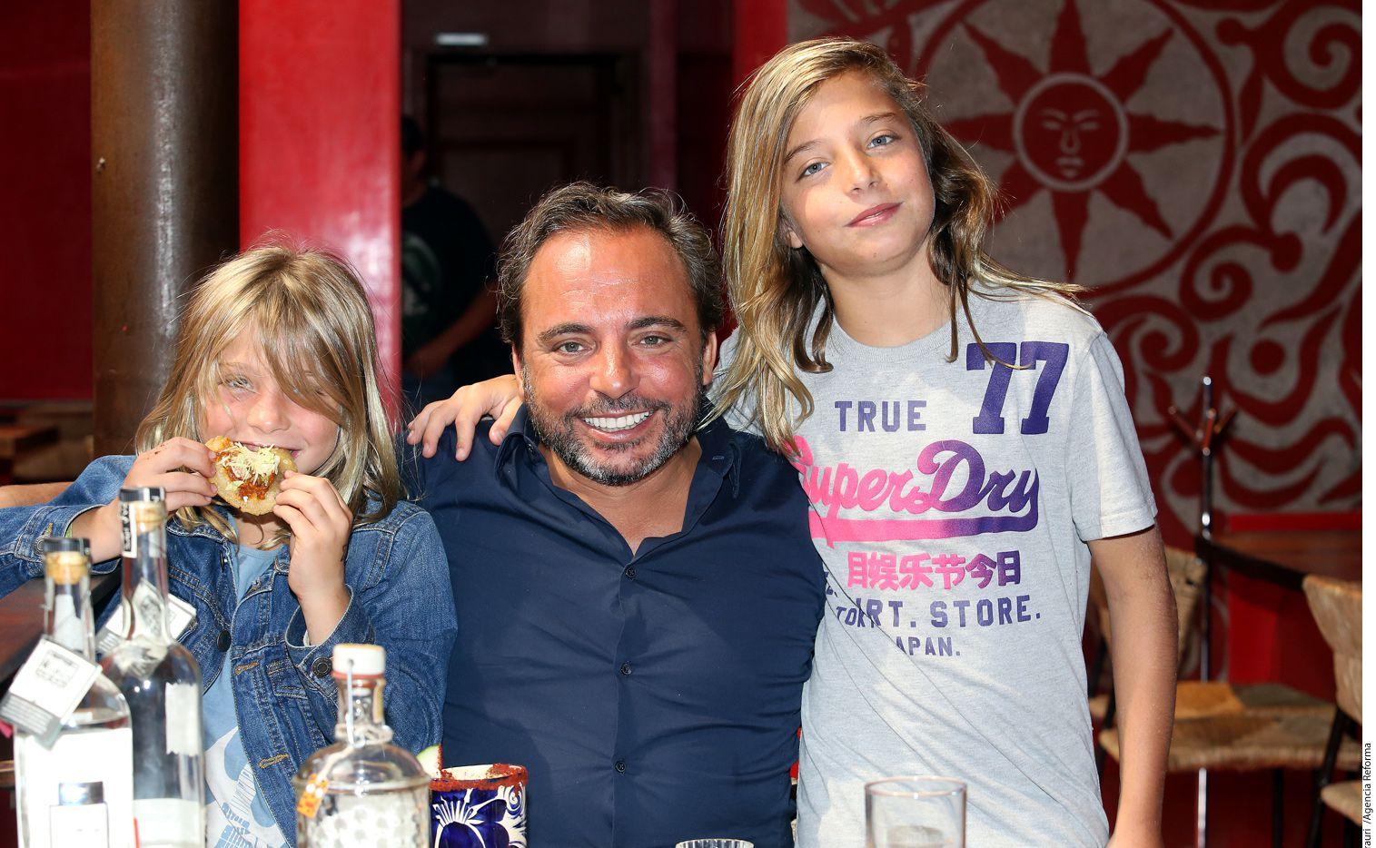 Marcos Llunas tien dos  hijos Izan y Axel. AGENCIA REFORMA