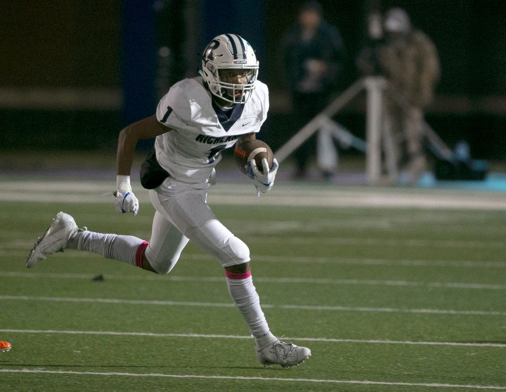 Richland's C.J. Nelson (1) runs the ball against Haltom during the first half of their high school football game on Friday, Oct 25, 2019 in North Richland Hills, TX.