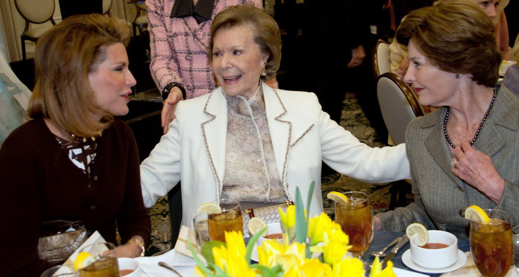 Ruth Collins Sharp Altshuler (center) — with Nancy Brinker, founder and CEO of the Susan G. Komen for the Cure Breast Cancer Foundation, and former first lady Laura Bush — was honored as the 2011 recipient of the J. Erik Jonsson Ethics Award presented by SMU'•s Cary Maguire Center for Ethics and Public Responsibility. (File Photo/SMU)