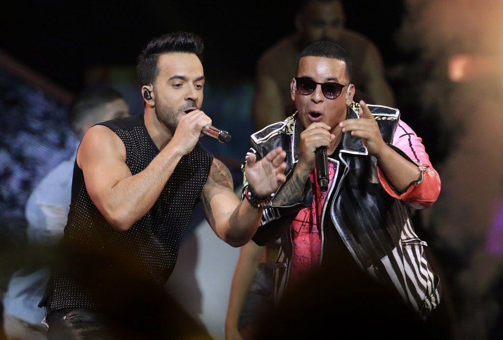 Luis Fonsi y Daddy Yankee./AP