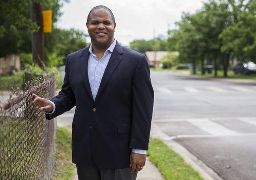 El representante Eric Johnson será el nuevo alcalde de Dallas tras la elección del sábado. ASHLEY LANDIS/DMN
