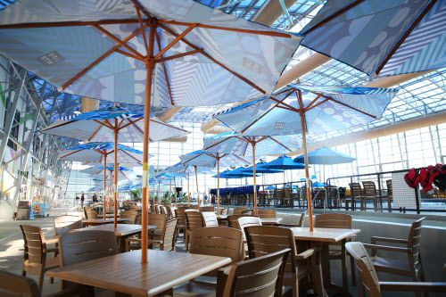 También habrá restaurantes para las personas que no deseen mojarse. ROSE BACA/DMN