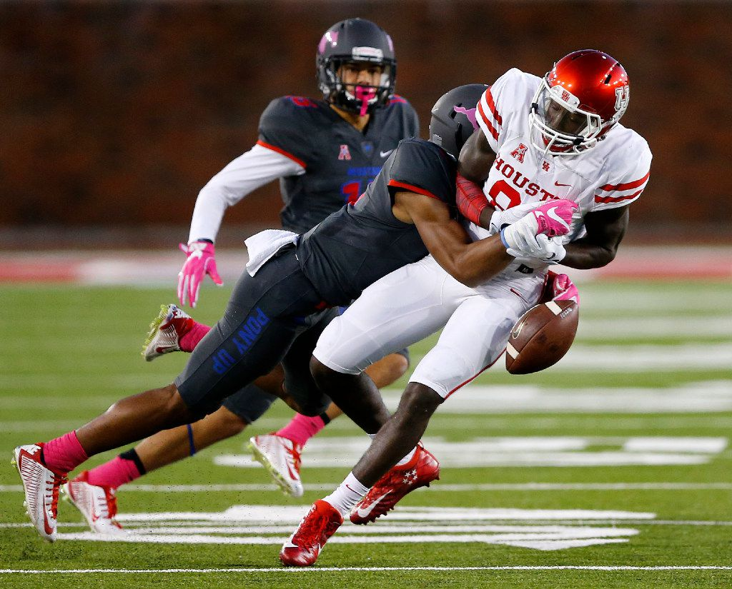 Southern Methodist Mustangs defensive back Rodney Clemons (8) knocks a pass from the hands of Houston Cougars wide receiver Steven Dunbar (88) in the first half at Gerald J. Ford Stadium in University Park, Texas, Saturday, October 22, 2016. (Tom Fox/The Dallas Morning News)