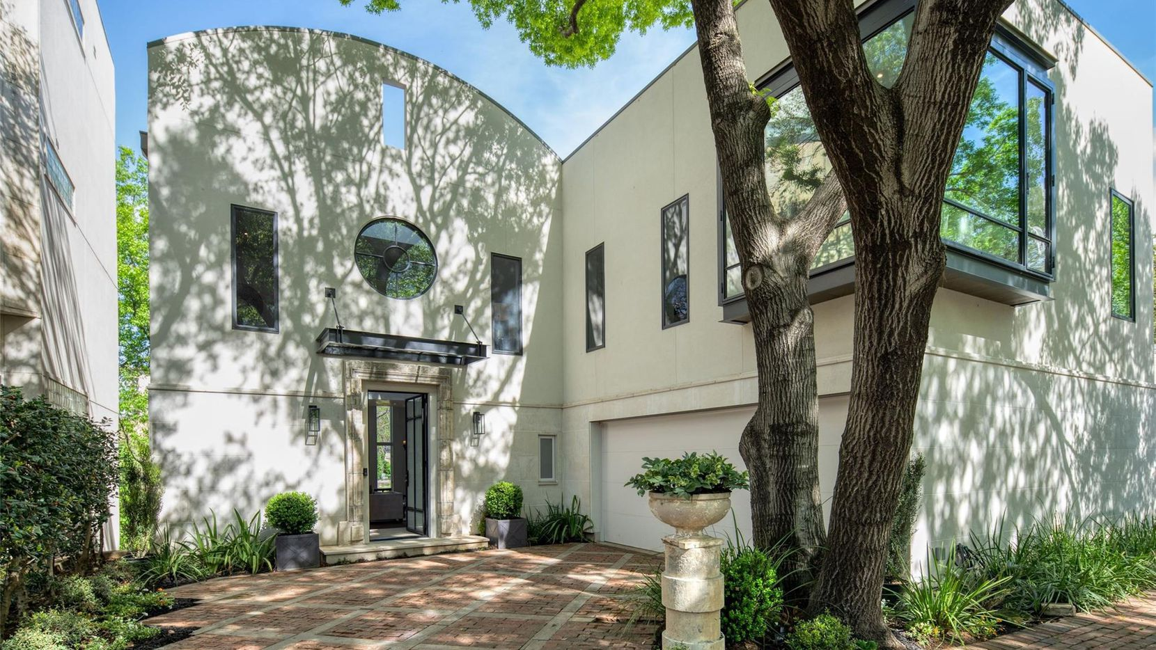 A look at the property at 2837 Park Bridge Court in Dallas.