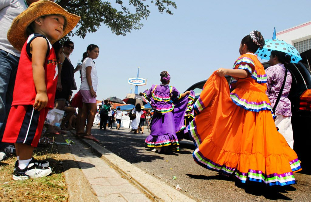 Dallas Cinco de Mayo, formerly known as Oak Cliff Cinco de Mayo, features a parade and block party along Jefferson Boulevard in Oak Cliff on Saturday. Festivities continue at Casa Guanajuato in Oak Cliff with live bands, vendors and exhibitors, food and a beer garden.