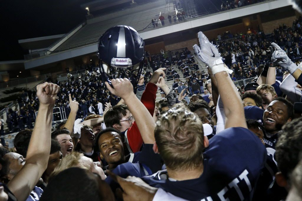 The Frisco Lone Star Ranger celebrate their win against the Lake Dallas Falcons at Eagle Stadium in Allen on Friday, Dec. 11, 2015. (Rachel Woolf/The Dallas Morning News)