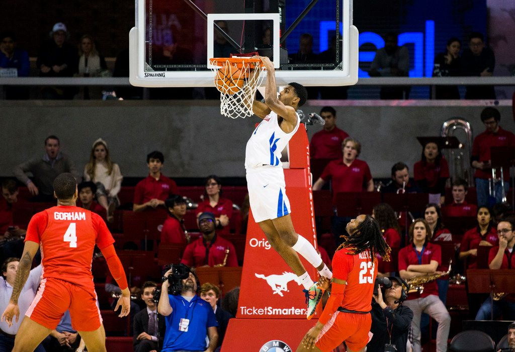 Southern Methodist Mustangs forward Feron Hunt (1) dunks the ball during the first half of a basketball game between SMU and University of Houston on Saturday, February 15, 2020 at Moody Coliseum in Dallas. (Ashley Landis/The Dallas Morning News)