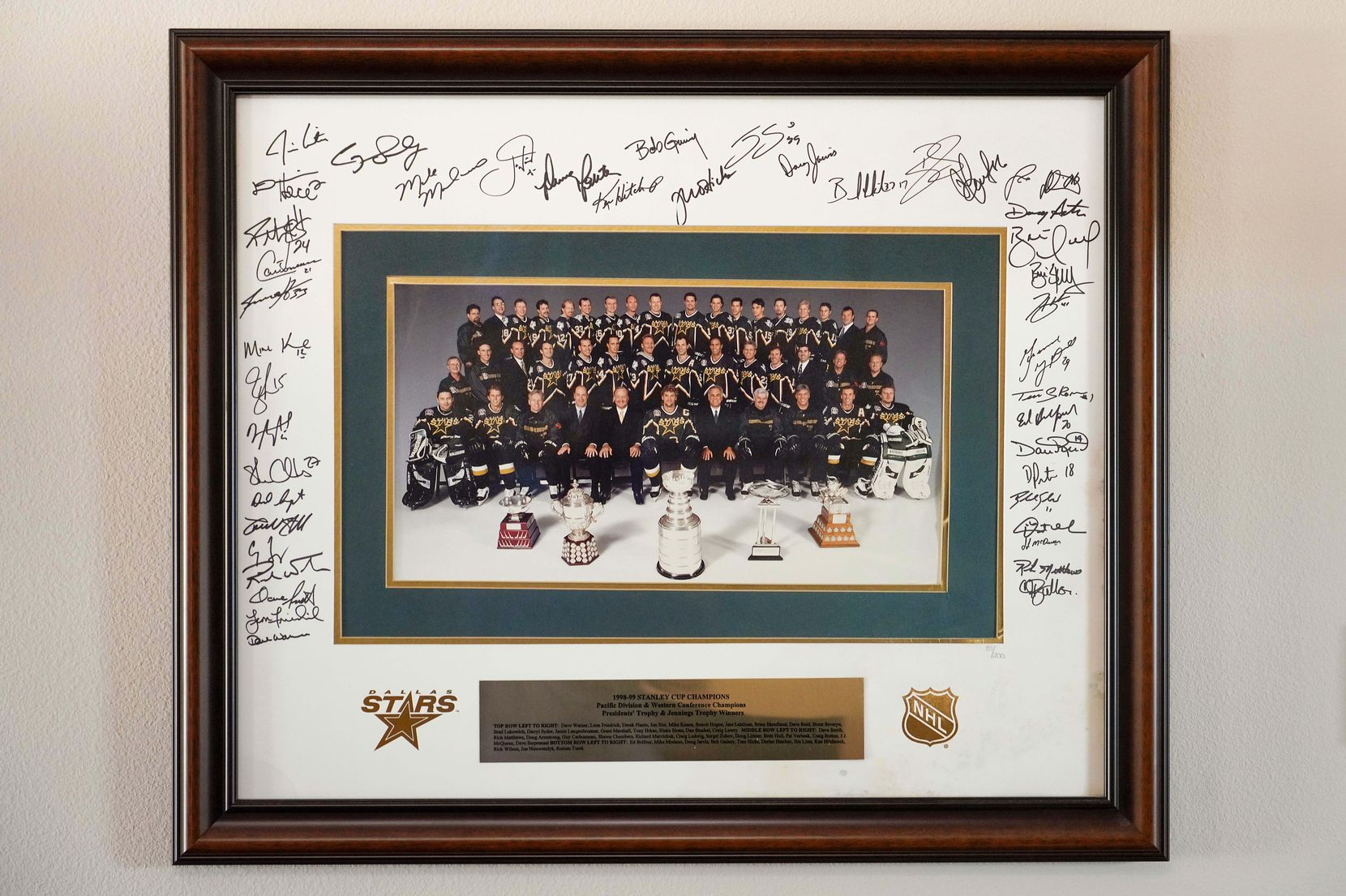 Donna Hanna's autographed photo of 1999 Stars Stanley Cup-winning team seen at her home on Friday, July 31, 2020, in Rowlett. (Smiley N. Pool/The Dallas Morning News)