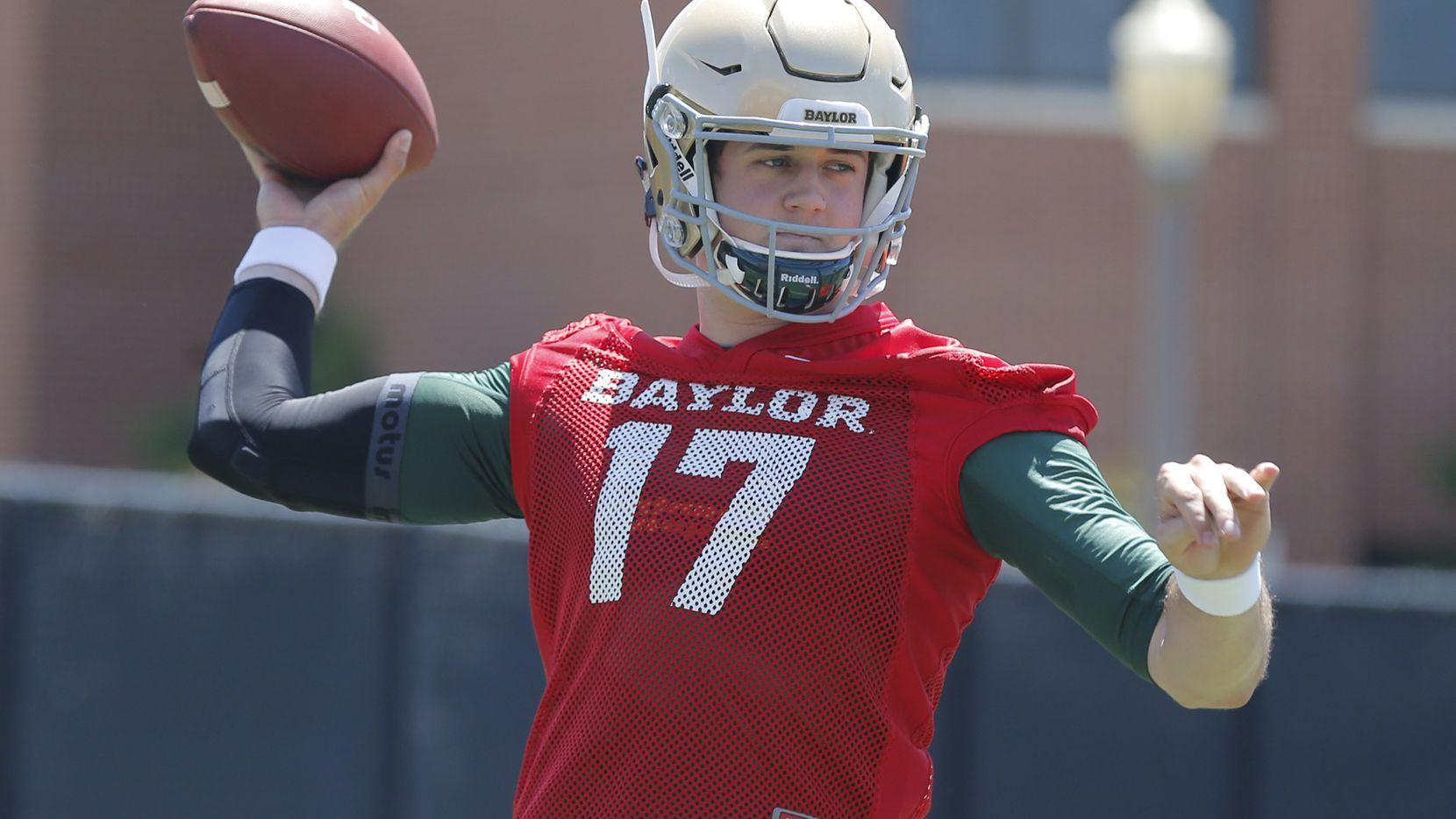Seth Russell jugó la última campaña con los Bears de Baylor. Esta semana hizo pruebas con los Dallas Cowboys. Foto Waco Tribune-Herald via AP