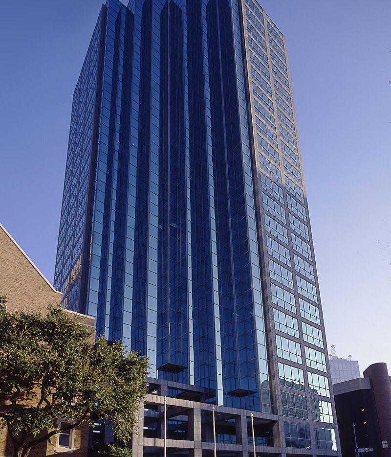 The 22-story St. Paul Place office tower on Ross Avenue was recently remodeled.