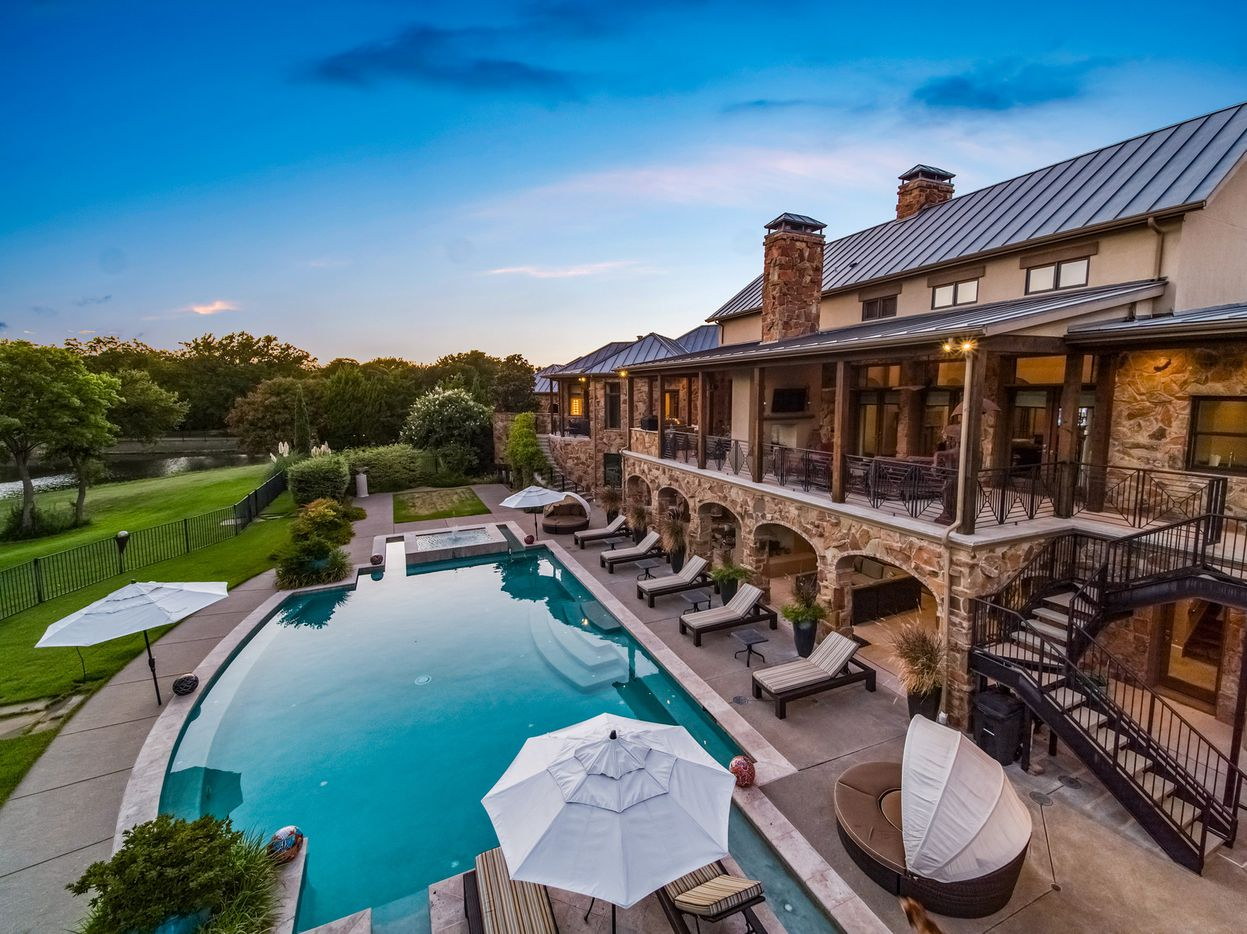The exterior of 3 Stonebriar Way in Frisco, TX.