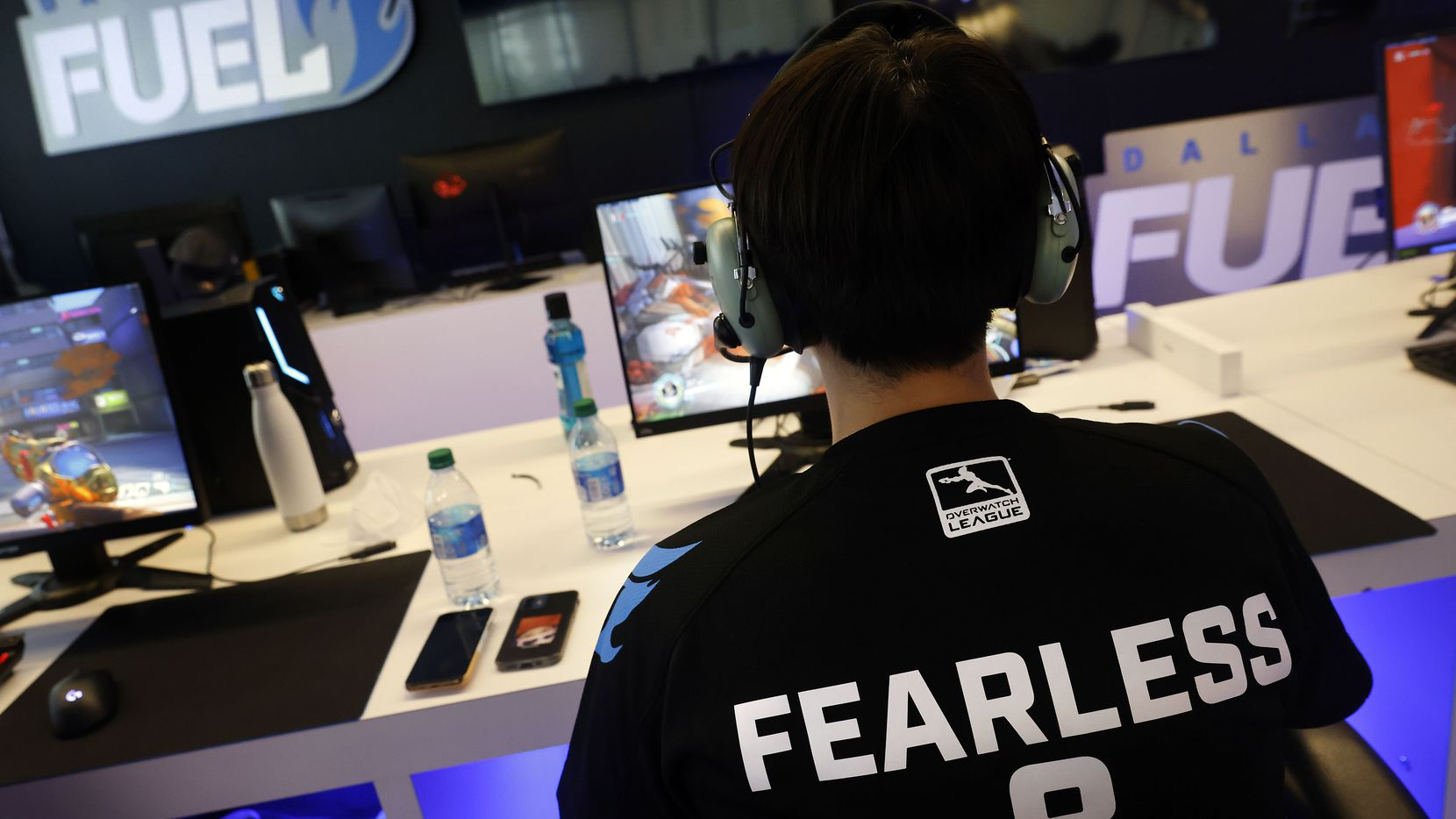 Dallas Fuel Overwatch League player Lee 'Fearless' Eui-Seok practices with his teammates ahead of their season opener against Houston at Envy Gaming Headquarters in Dallas, Monday, March 29, 2021. (Tom Fox/The Dallas Morning News)