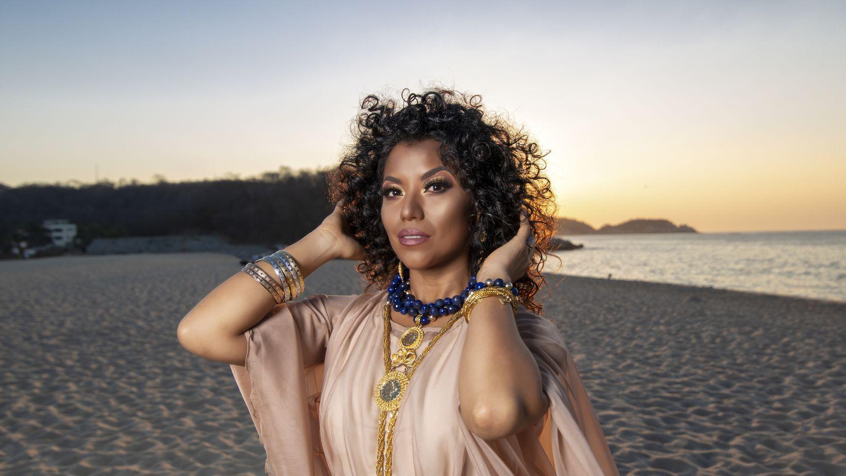 La cantante y bailarina Alejandra Robles destacará su herencia afromexicana en su presentación este jueves.