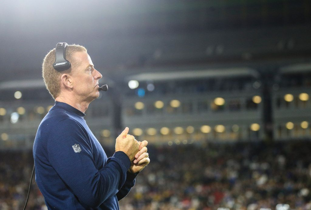Dallas Cowboys head coach Jason Garrett paces the sidelines during the final moments of the fourth quarter of the Cowboys' 30-22 los to the Los Angeles Rams in a NFC divisional playoff game Saturday, Jan. 12, 2019 at Los Angeles Memorial Coliseum in Los Angeles. (Ryan Michalesko/The Dallas Morning News)