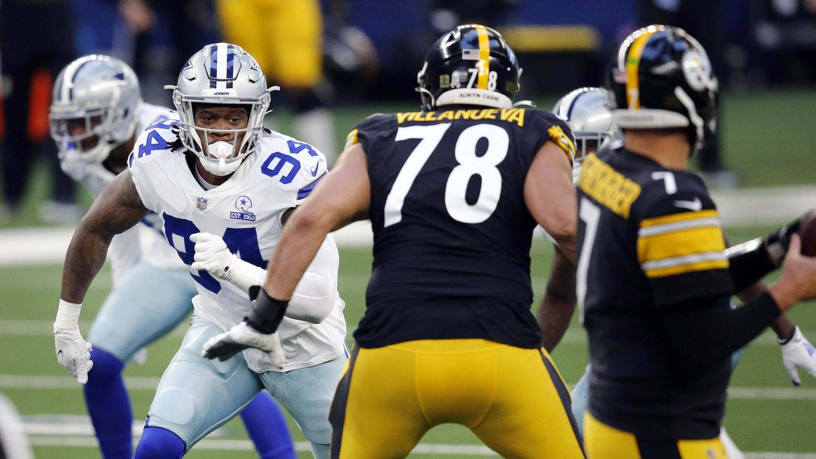 Cowboys defensive end Randy Gregory (94) rushes the passer during the first quarter of a game against the Steelers at AT&T Stadium in Arlington on Sunday, Nov. 8, 2020.