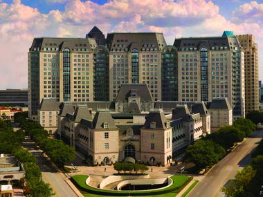 When it opened in 1986, the Crescent in Dallas' Uptown district was the largest and most elaborate private real estate project ever done in the area.