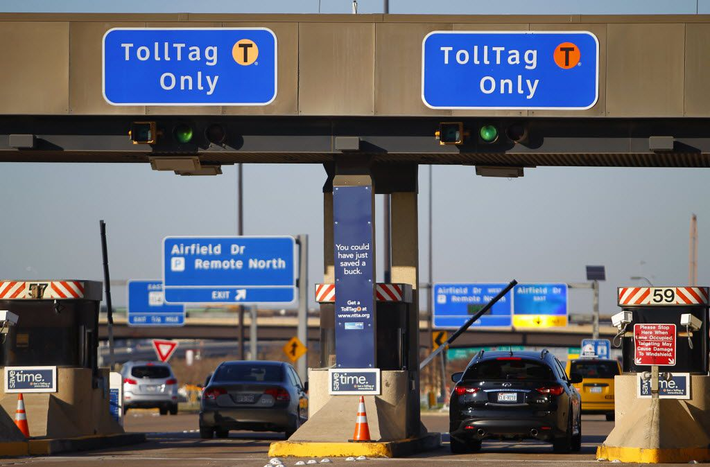 TollTag users use the cashless booths at the north end of Dallas/Fort Worth International Airport.