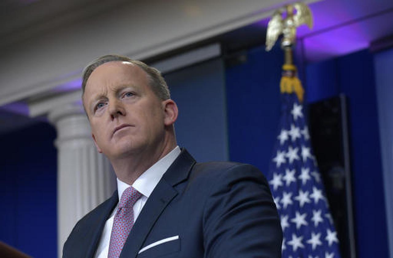 El secretario de prensa de la Casa Blanca, Sean Spicer, habla durante su primera conferencia de prensa bajo la administración Trump.  (AP/SUSAN WALSH)