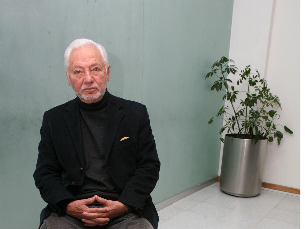 Enrique González Pedrero, ex gobernador de Tabasco, de 1983 a 1987, falleció este lunes a los 91 años.