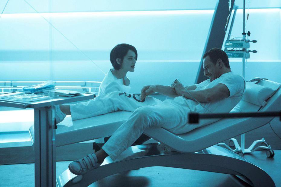 Marion Cotillard as Sofia, left, and Michael Fassbender as Callum Lynch