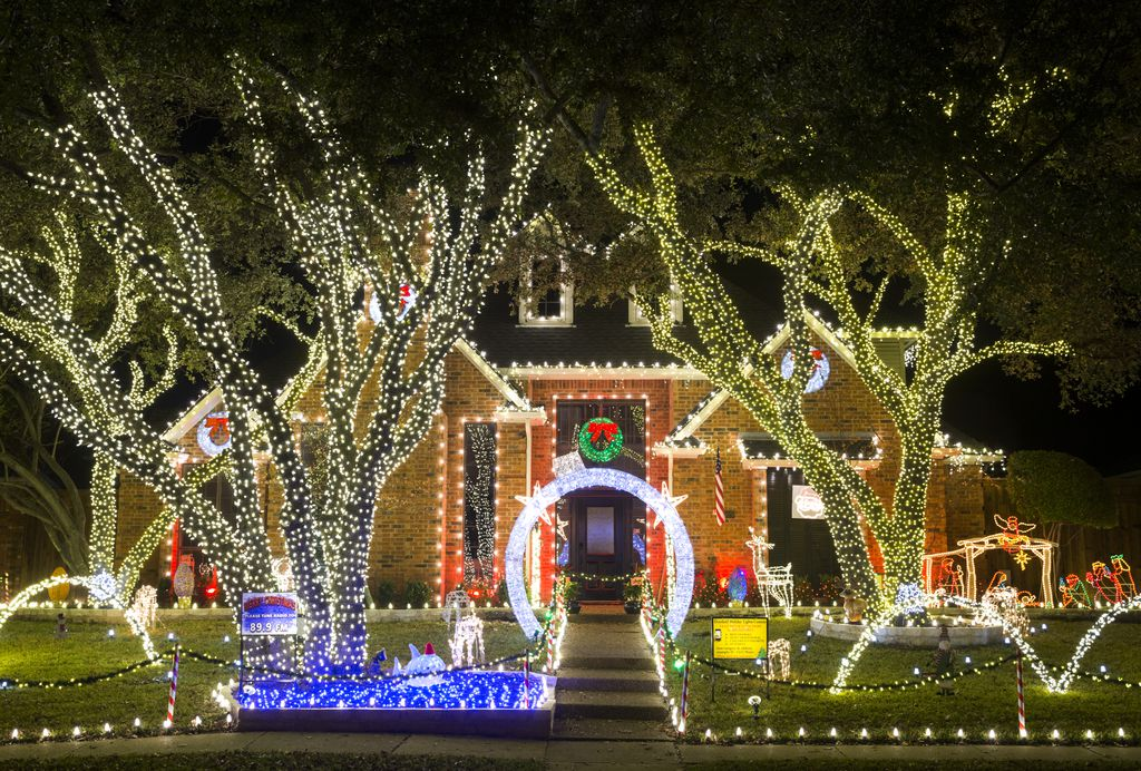 Holiday lights are on display in the Deerfield neighborhood on Tuesday, December 3, 2019 in Plano. (Ashley Landis/The Dallas Morning News)