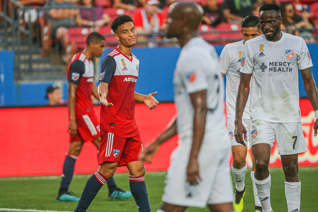 FC Dallas midfielder Brandon Servania (18) shrugs after missing a shot during the first half of an MLS game between FC Dallas and FC Cincinnati on Saturday, August 31, 2019 at Toyota Stadium in Frisco, Texas. (Shaban Athuman/Staff Photographer)