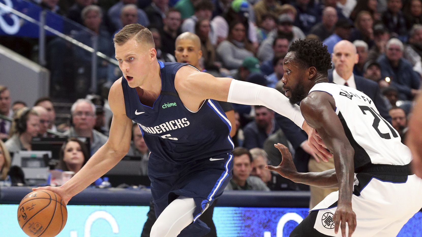 Kristaps Porzingis Mavs Return Marred By Dwight Powell S