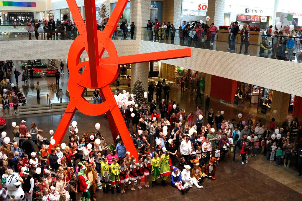 Shoppers attend the 2016 Angel Tree Extravaganza for The Salvation Army Angel Tree at NorthPark Center on Black Friday, November 25, 2016 in Dallas, Texas. (David Woo/The Dallas Morning News)