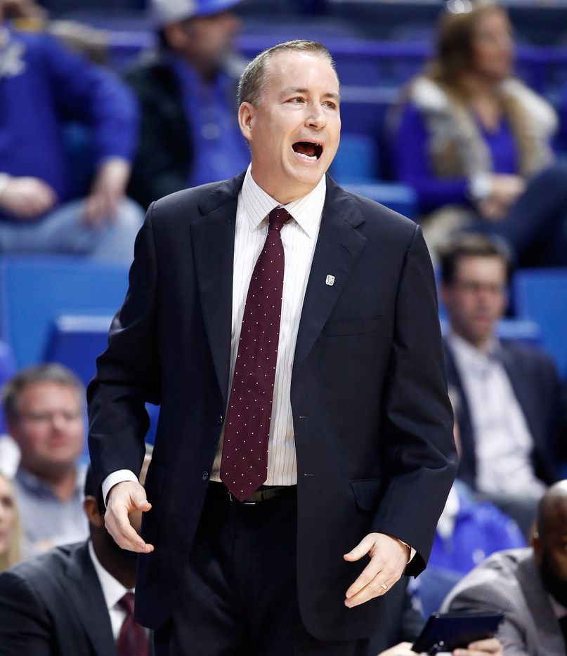 LEXINGTON, KY - JANUARY 09:  Billy Kennedy the head coach of the Texas A&M Aggies gives instructions to his team against the Kentucky Wildcats during the game at Rupp Arena on January 9, 2018 in Lexington, Kentucky.  (Photo by Andy Lyons/Getty Images)