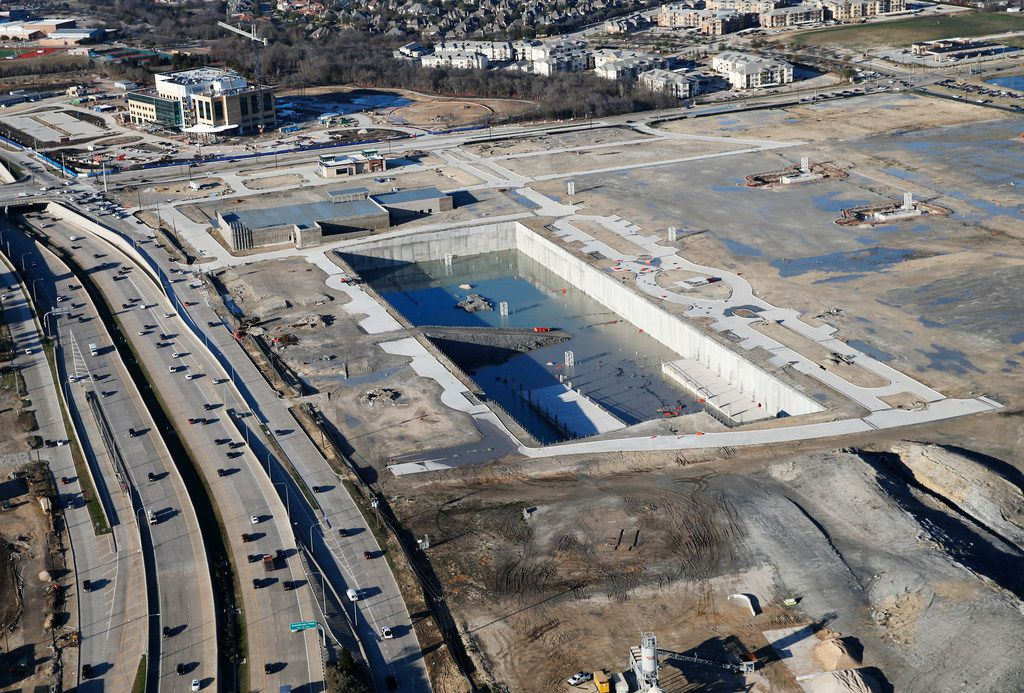Excavation stopped almost a year ago on the site of what was supposed to be a row of high-rise buildings along the east side of the tollway near Lebanon Road.