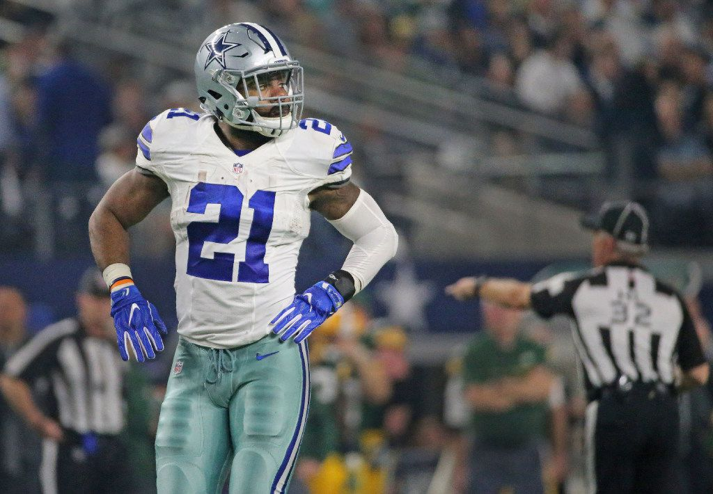 Dallas Cowboys running back Ezekiel Elliott (21) is pictured during Cowboys NFL football playoff game at AT&T Stadium in Arlington, Texas on Sunday, January 15, 2017. (Louis DeLuca/The Dallas Morning News)