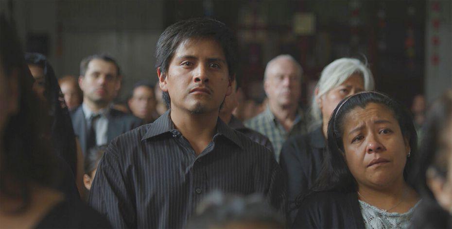 """Los actores Fernando Cuautle, izquierda, y Mónica Del Carmen en una escena de la película """"Nuevo Orden"""" de Michel Franco. La cinta se estrena en México el 22 de octubre de 2020."""