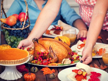 Focus on the turkey, not politics, this Thanksgiving.