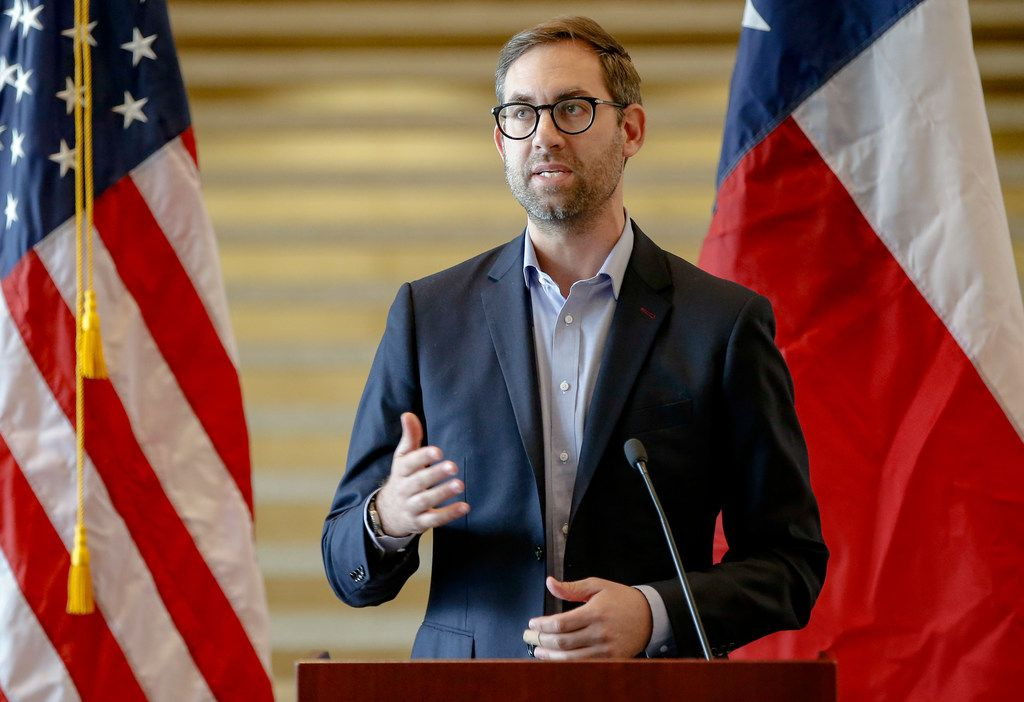 Arie Barendrecht, founder and CEO of WiredScore, speaks during a news conference at Dallas City Hall on Nov. 13, 2018. WiredScore has partnered with the city of Dallas to launch Wired Certification, to rate the connectivity and technological capacity of office buildings.