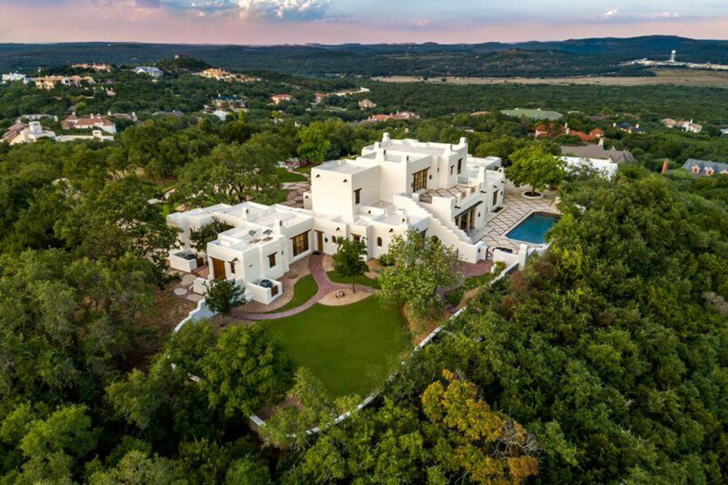 George Strait has listed his estate in San Antonio for sale.