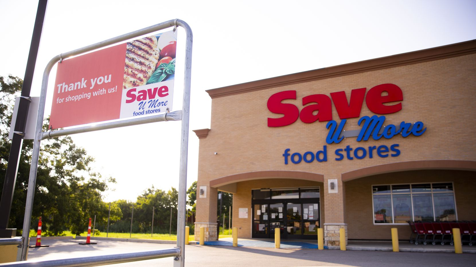 Exterior of the Save U More grocery store on Aug. 29, 2020 in South Dallas.